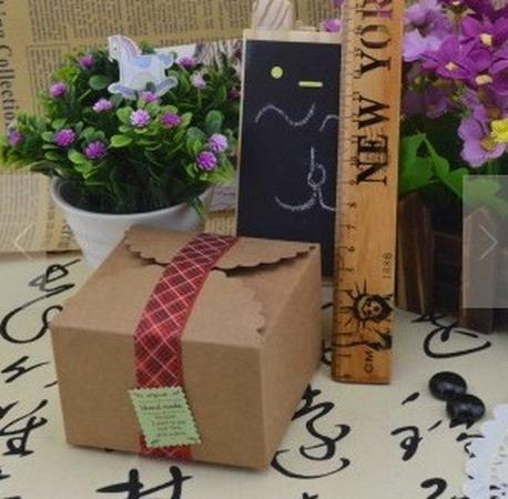 Коробки для подарков 9*9*6 см