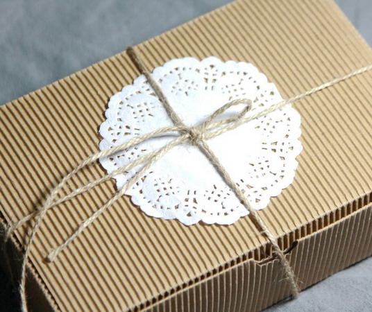 Коробки для подарков 18*12*5 см