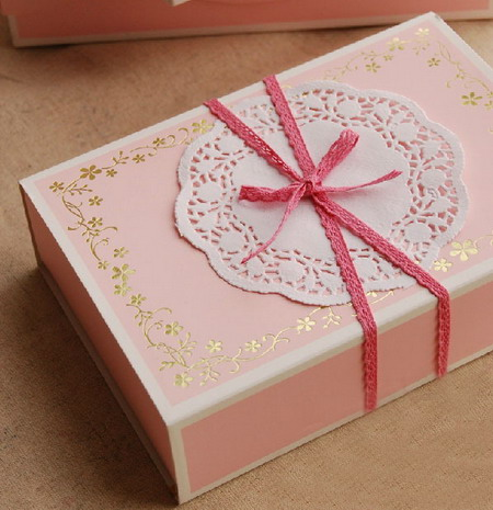 Коробки для подарков 19*13*5 см