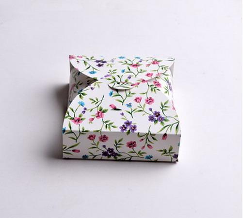 Коробки для подарков 12*12*4 см №1
