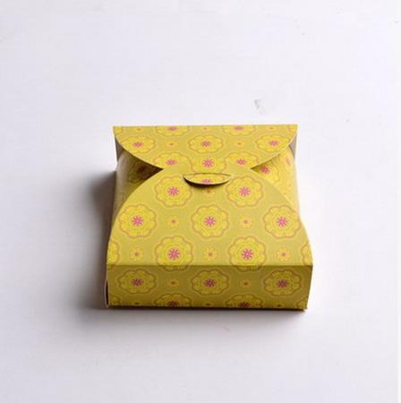 Коробки для подарков 12*12*4 см №2