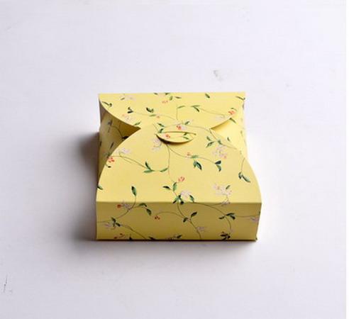 Коробки для подарков 12*12*4 см №5