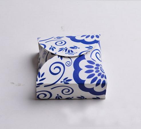 Коробки для подарков 12*12*4 см №6
