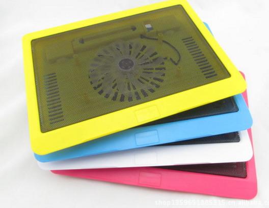 Подставка с вентилятором для ноутбука