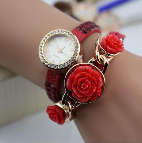 Часы кварцевые роза  арт 2