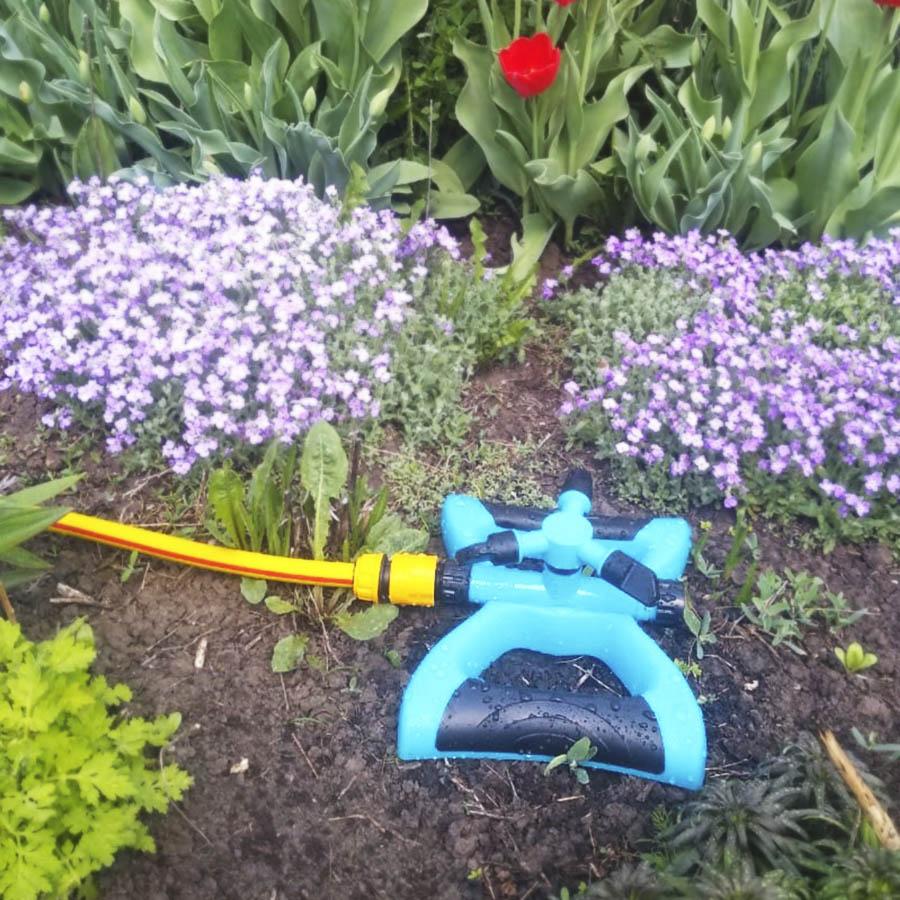 Комплект для полива газона и огорода (вращающийся дождеватель, шланг, коннекторы)